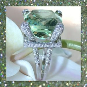 JUST IN🆕 Lg Peridot White Topaz 925 Silver Ring
